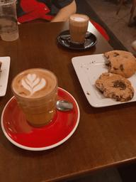 Awesome oat latte and vegan pastries! 🤤