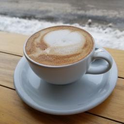 cappuccino lait d'avoine parfaitement exécuté et délicieux!