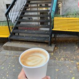 très bon service et bon café 💙🤍☕️