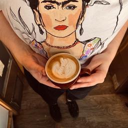 «  Quand qu'il fait Fri'dahors, les cafés du Tassé sont les meilleurs! ❄️☕️ » - Frida Kahlo, 2020