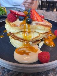 Brunch excellent !! 😍 et accueil au petit soin !! Fluffy pancake confiture argousier 🤤