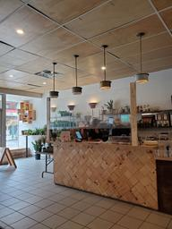 Love this zero-waste café! And you can buy plants here too 👀