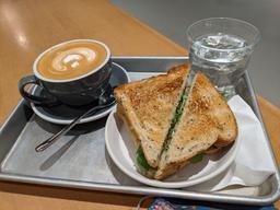 Service super sympathique et délicieux café!