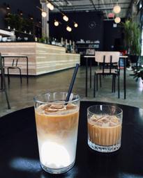 Cortado & latte glacé ☕️🥛🧊