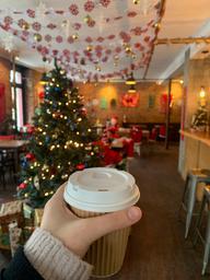 Meilleur café filtre que j'ai pris depuis longtemps!✨🤍 et le décor!!!