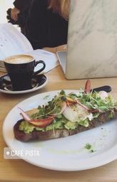 Idéal pour travailler ou jaser autour d'un excellent café/brunch 😍