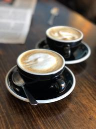 WoW et rewow excellent cappuccino bien corsé