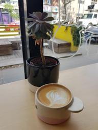 Good artsy vibe and good coffee