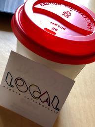 Cappuccino parfaitement bien dosé pour un mercredi matin. Merci ma blonde pour la belle photo ;)