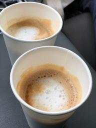 Je suis dingue de ce café ! Trop hâte à cet été, que la vie reprenne son cour, pour profiter de leur terrasse 😍