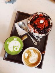 Super délicieux! Café, matcha, et Bing Soo!!!